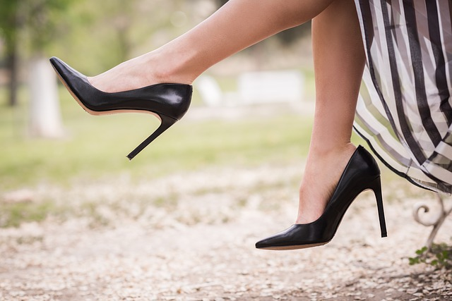 Different Kinds Of Footwear That Girls Wear